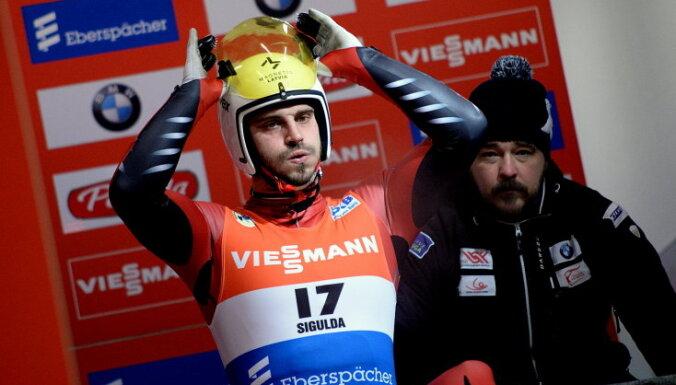 Kivlenieks un U-23 sudrabu guvušais Aparjods aiz pirmā desmitnieka pasaules čempionātā