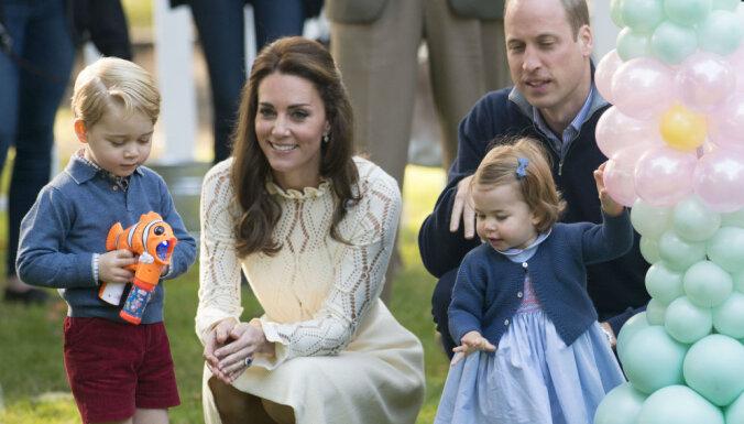 Apburoši foto: Britu karaliskie mazuļi rotaļājas dārza svētkos