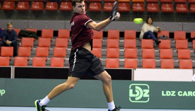 Теннисисты Латвии уступили норвежцам в Кубке Дэвиса и будут бороться за выживание