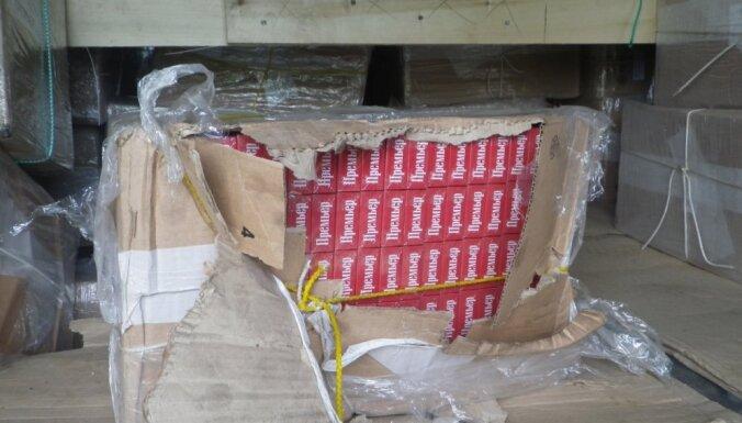 Muitnieki vilcienā no Baltkrievijas atrod 1,28 miljonus kontrabandas smēķu