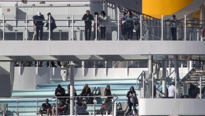На круизном лайнере в Италии из-за подозрений на коронавирус застряли шесть тысяч пассажиров