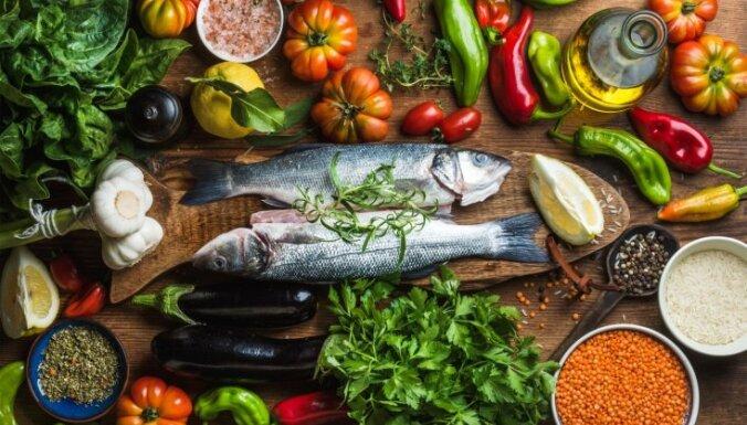 Šefpavāri atklāj pārbaudītus paņēmienus, kā zivis atbrīvot no dūņu piegaršas