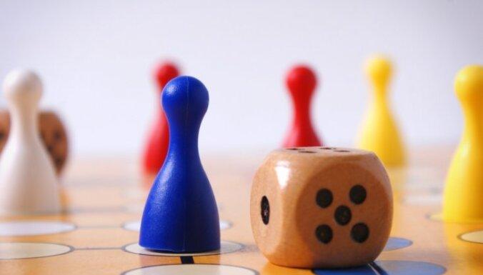 Kā peintbols un prāta spēles maina darba ikdienu