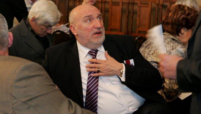 Годманис: экс-премьеры не будут вступать в партию Шлесерса