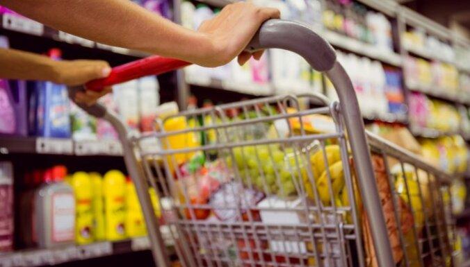 Bažās par 'Covid-19' slimnieka klātbūtni slēdz veikalu; aizdomas neapstiprinās