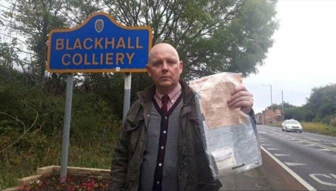 В английской деревне опять нашли пакет с деньгами. Уже в 12-й раз