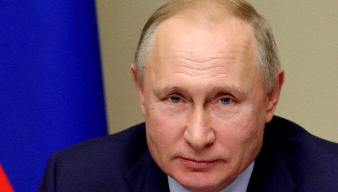 Путин распорядился выплатить по тысяче евро каждому ветерану в странах Балтии