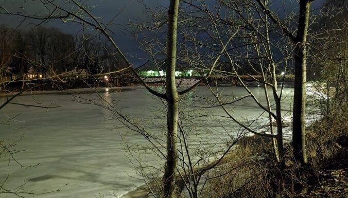 Brīdina par plūdiem pie Ogres