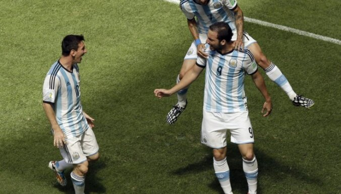 У рейтинга ФИФА новый лидер, Украина обошла Россию, Эстония— Латвию