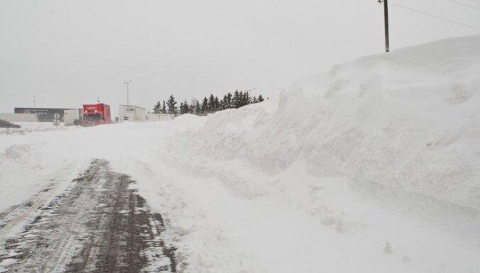 Из-за снегопада без света десятки тысяч домов в Финляндии