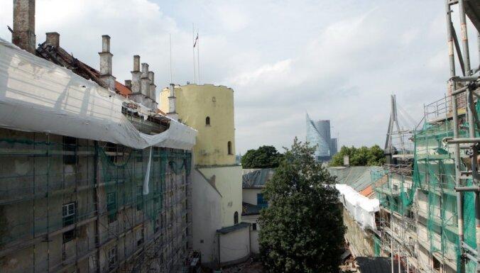 Пожар в Рижском замке обошелся страховщику в 145 000 латов