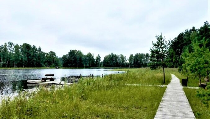 Лучшие места для прогулок: Топ-10 пешеходных троп вокруг латвийских озер