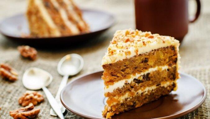 Морковный торт с кремом филадельфия и грецкими орехами
