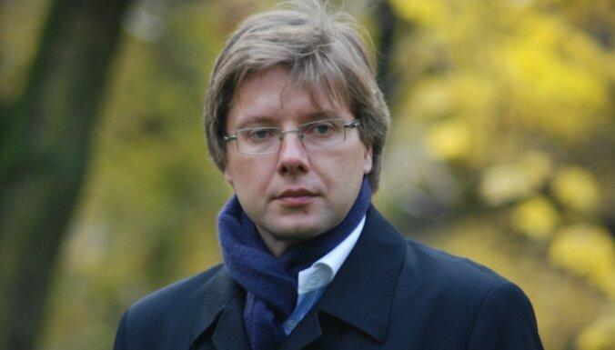 Ушаков призвал придать русскому языку статус языка нацменьшинства