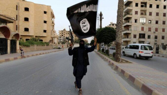 'Daesh' bērniem māca nežēlīgu vardarbību, vēsta ziņojums