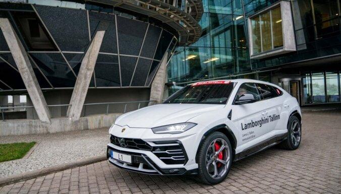 Šogad Baltijā pārdotas 19 vienības pasaulē visātrāko apvidnieku 'Lamborghini Urus'