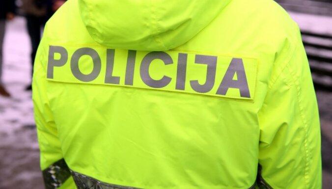 Policija atkārtoti piemēro 2000 eiro sodu Covid-19 slimniekam par pašizolācijas neievērošanu