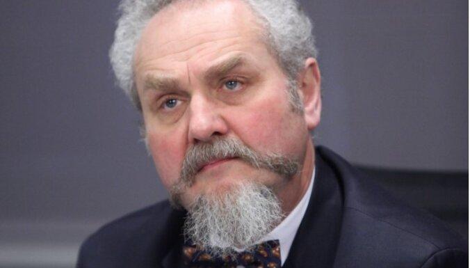 Slavenam krievu profesoram iebildumi pret iebrukumu Ukrainā maksā amatu