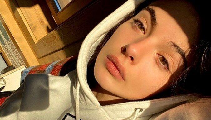 ФОТО: 16-летняя дочь Моники Белуччи впервые попала на обложку модного журнала