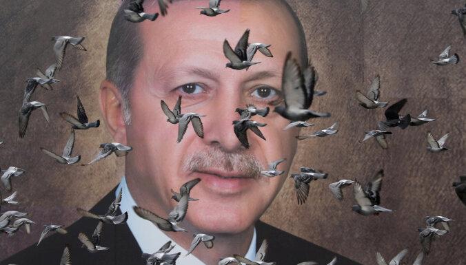 Erdogans: Turcija neatbalstīs NATO aizsardzības plānu Baltijai bez atbalsta cīņai pret kurdiem