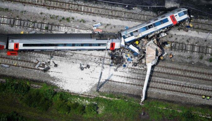 Iespējams, zibens spēriens izraisījis traģisko vilciena sadursmi Beļģijā