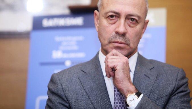 Rosina vērtēt Burova atbilstību 'Rīgas starptautiskās autoostas' padomes locekļa amatam