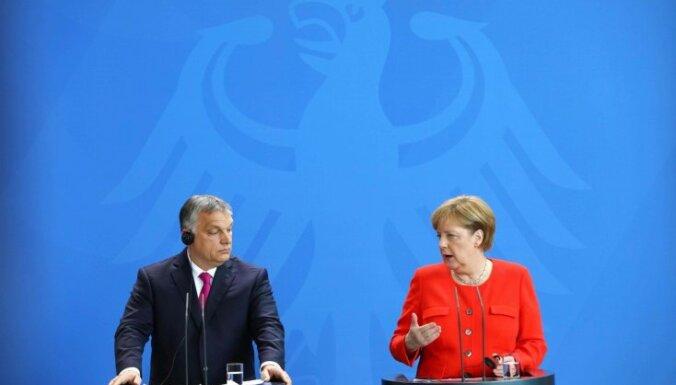 Коронавирус: ФРГ и еще 12 стран ЕС предостерегли государства от посягательств на права человека