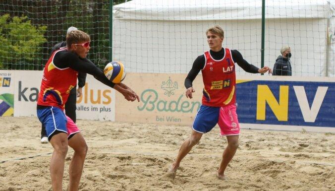 Visi trīs Latvijas pludmales volejbola dueti iekļūst U-22 EČ 'play-off'