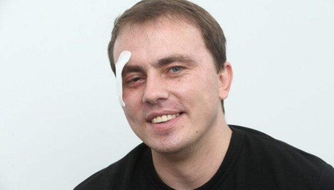 Раненый активист Майдана покинул Латвию