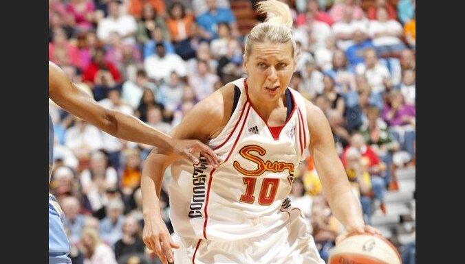 Jēkabsone-Žogota nespēlēs WNBA