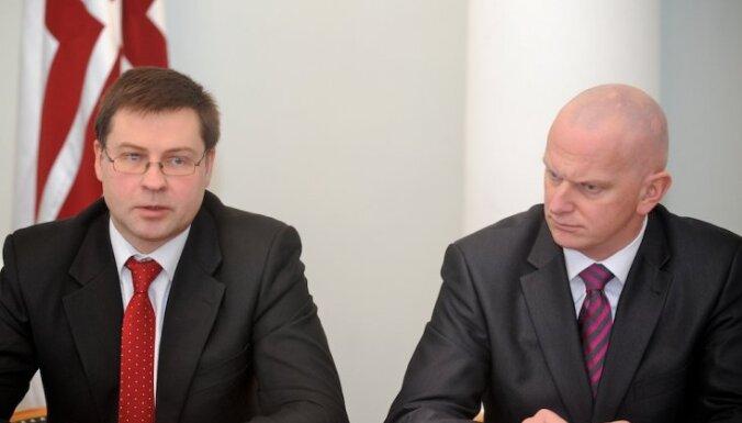 Premjers pieņem tieslietu ministra demisiju; pienākumus uz laiku uztic Jaunzemei-Grendei