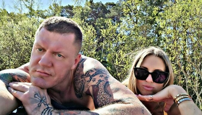 Kambalas jaunā sieva par viņa dāmu simtiem: 'Tās bija prostitūtas'