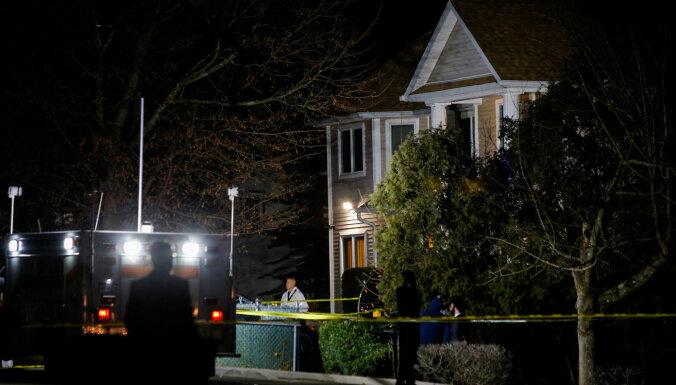 Uzbrukumā rabīna mājai Ņujorkas štatā sadurti pieci cilvēki