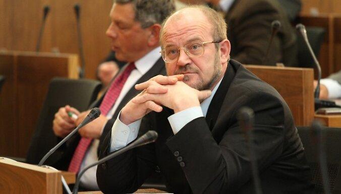 Latvijas avīze: Депутат Адамсонс получает российскую пенсию и не считает, что это плохо