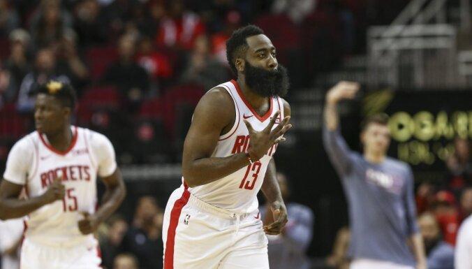 Hārdens ar 47 gūtiem punktiem kaldina 'Rockets' panākumu grandu duelī