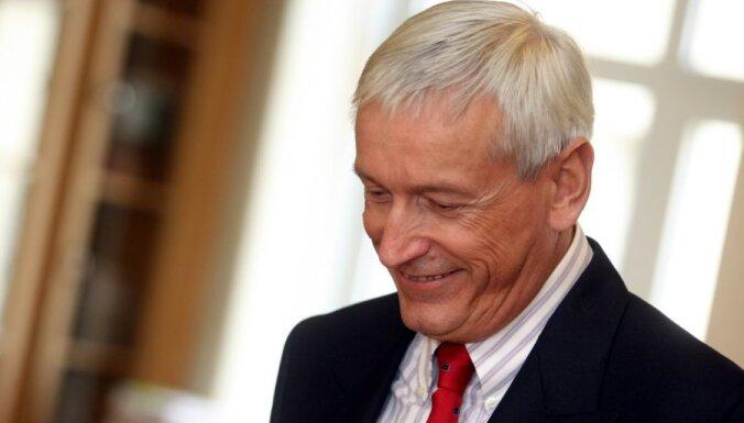 Янис Кажоциньш будет консультировать нового министра обороны