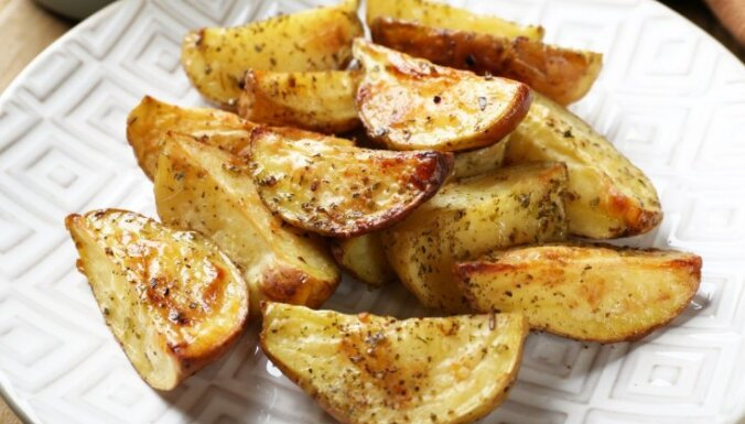 Krāsnī cepti kartupeļi ar sinepēm