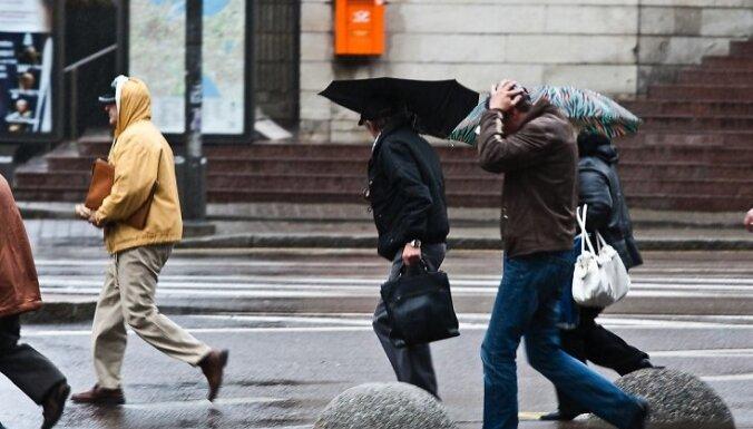 Синоптики: в ночь на пятницу в Риге ожидается буря