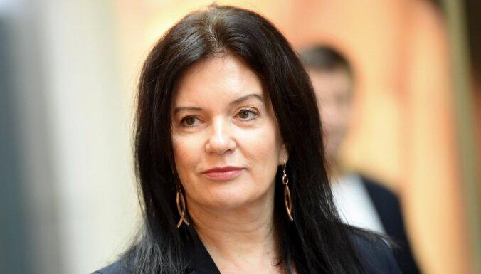 Sociālie darbinieki un 'Progresīvie' pieprasa Petravičas demisiju