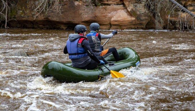 Daudzās Latvijas upēs strauji kāpis ūdens līmenis