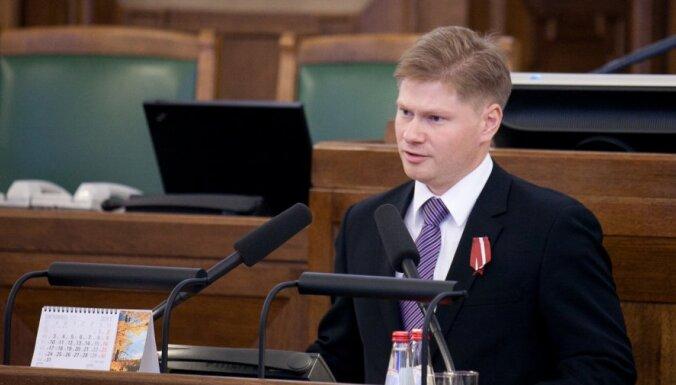 Saeima piekrīt kratīšanai deputāta Potapkina mājās; 'Saskaņa' nogaida
