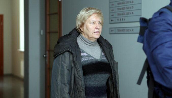 Valsts policija Rīgas lidostā apcietinājusi kukuļņemšanā aizdomās turēto Stabiņu