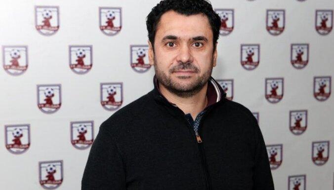 Curtianu coach