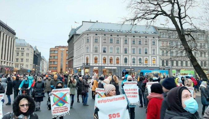 Стакис: ради ограничения распространения Covid-19 следует запретить акции протеста
