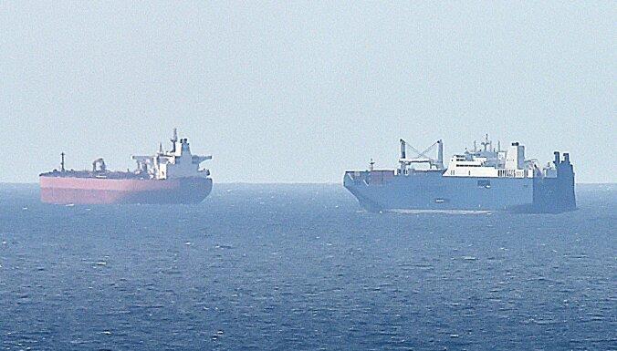 Два нефтяных танкера тонут в Оманском заливе. СМИ говорят о нападении