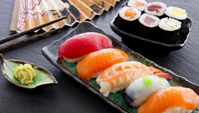 Izsmalcināti greznā japāņu virtuve