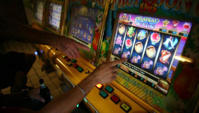 Зависимость от азартных игр: 14 620 латвийцев попросили не впускать их в казино