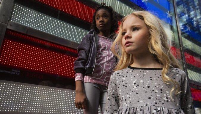 Latviešu bērnu modes zīmols 'Rock and Mouse' defilē Ņujorkas modes nedēļā