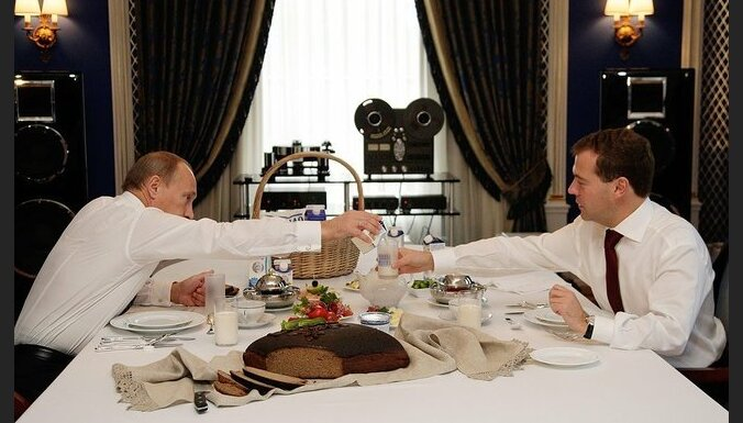 Путин за год заработал 3,6 млн рублей, Медведев — 3,3 млн