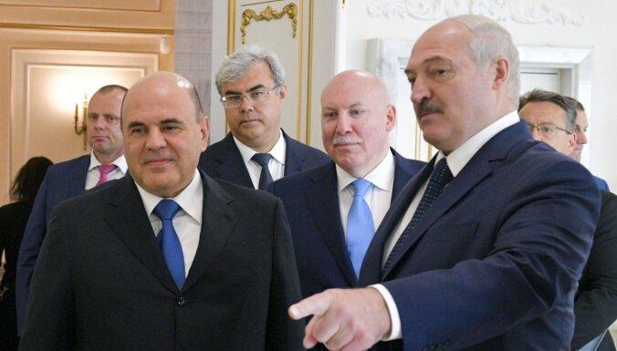 'Cietais rieksts Lukašenko': publicēta Baltkrievijas 'pārtvertā' Varšavas-Berlīnes saruna